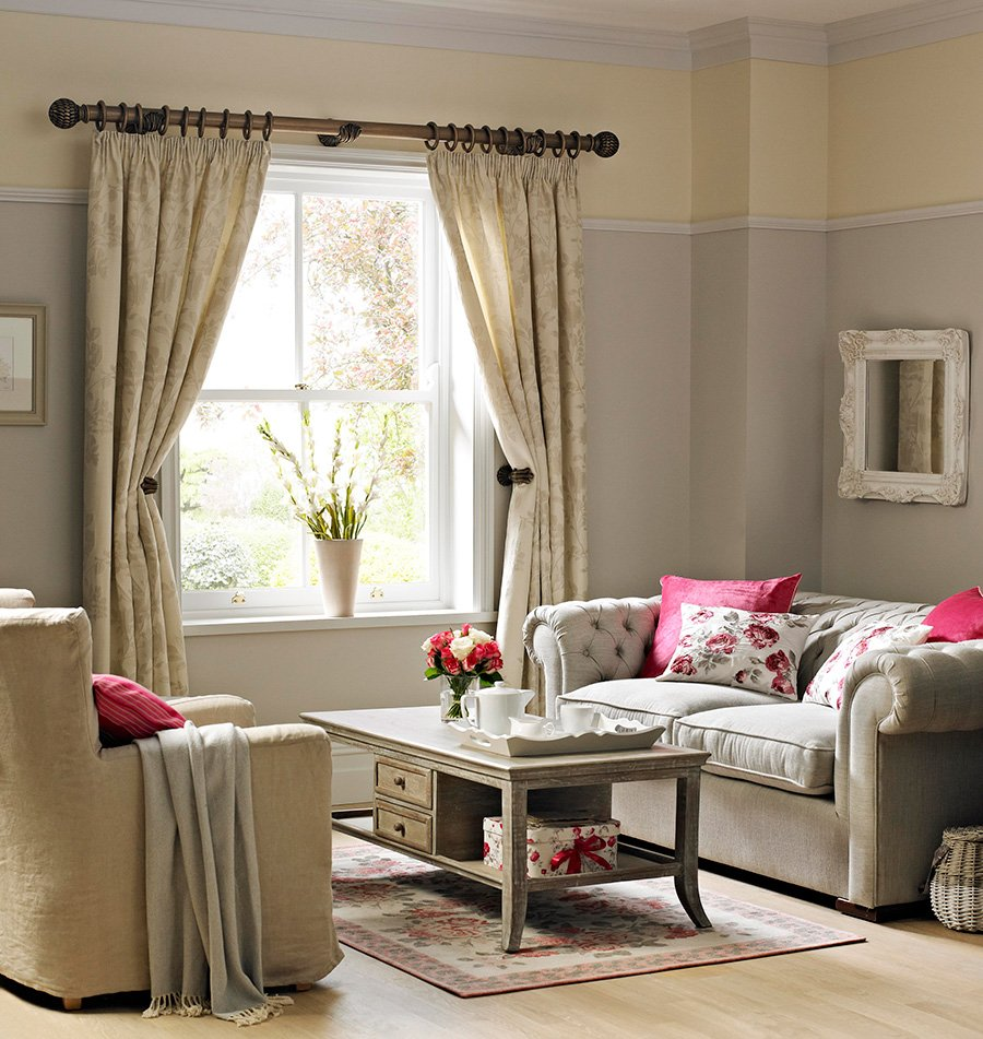 How curtain holdbacks can help brighten up your room